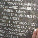 MauricioAquino on Monumentwall-hand